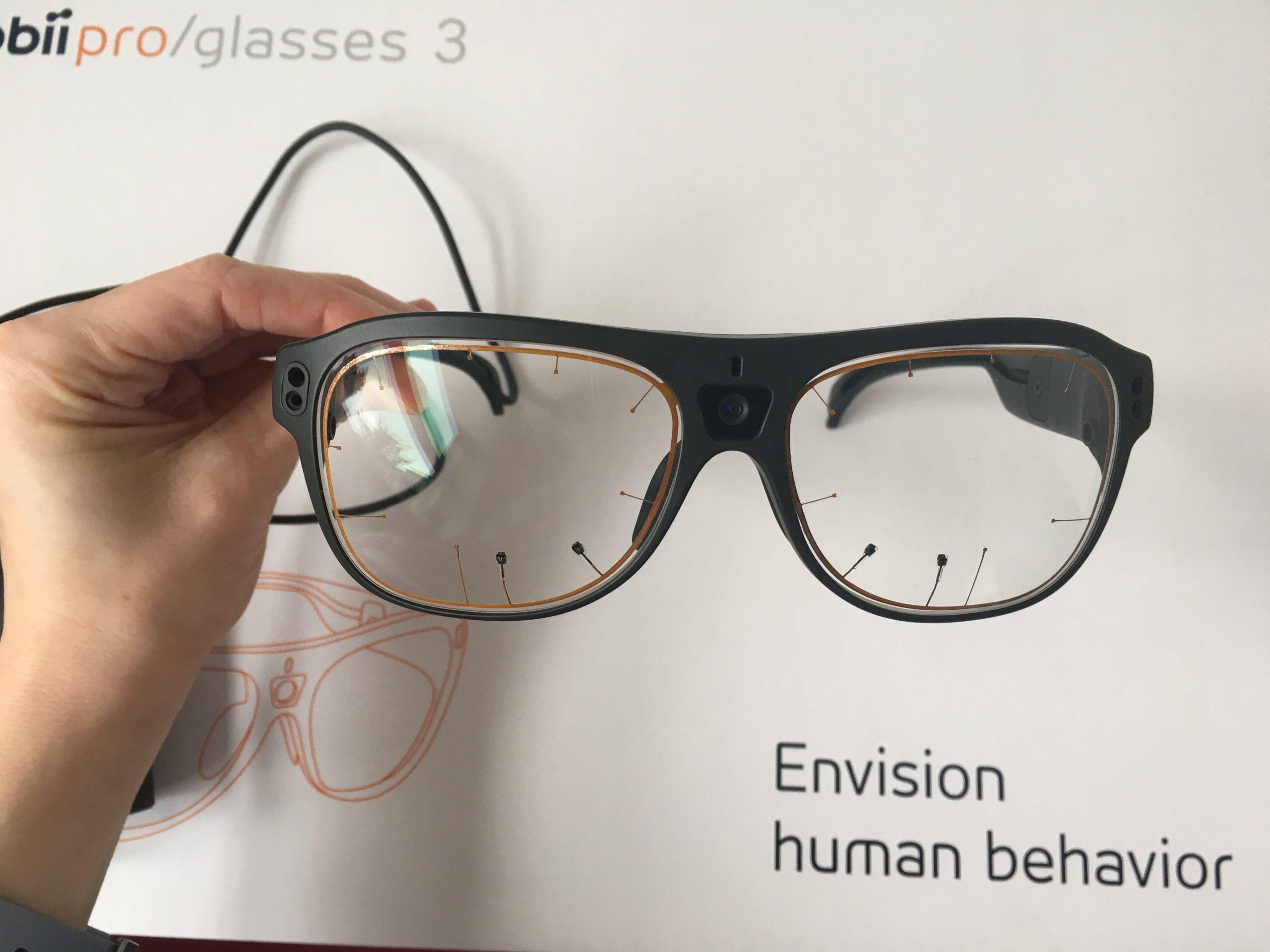 tobii pro glasses